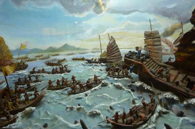 """Bình giảng bài thơ """"Cửa biển Bạch Đằng"""" của Nguyễn Trãi"""