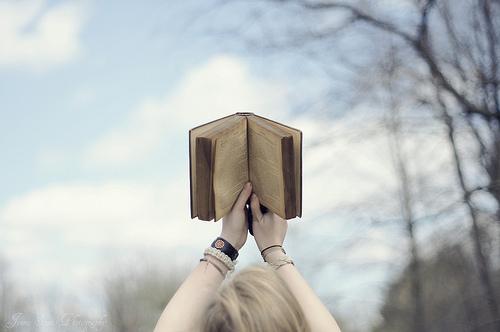 """Cảm nhận của em khi đọc truyện """"Người thầy đầu tiên"""" của Ai-ma-tôp."""