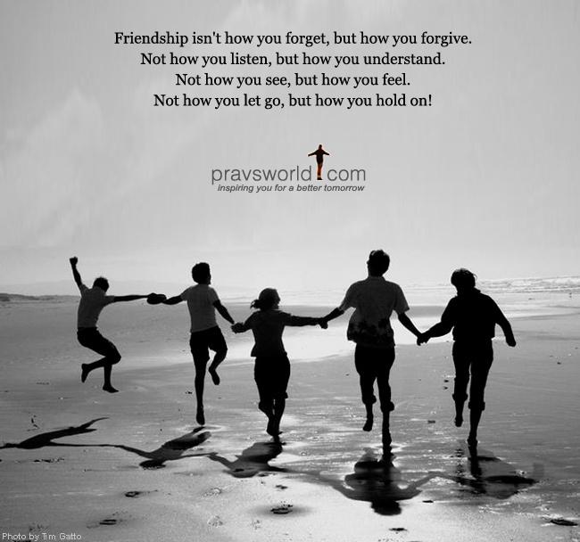 """Dựa vào câu """"Bạn bè là nghĩa lương tri  Trước sau, sau trước một bề mới yên"""" Anh chị hãy phát biểu cảm nghĩ về tình bạn."""