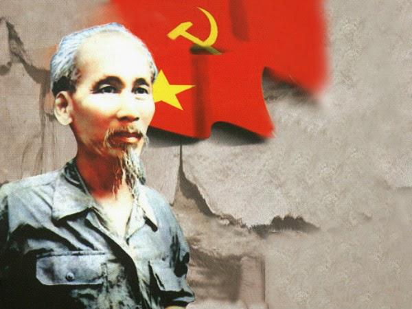 """Phân tích bài thơ """"Trên đường"""" của Chủ tịch Hồ Chí Minh"""